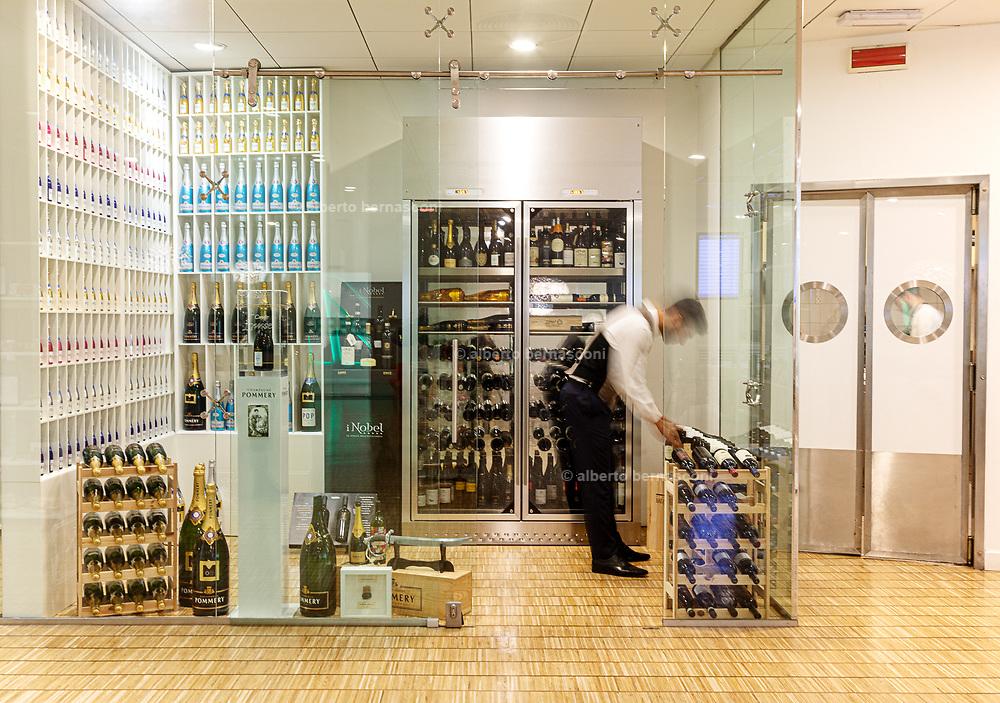 Milan, Linate Airport. restauirant, MIchelangelo restaurant
