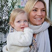 NLD/Amsterdam/20111123 - Boekpresentatie Maureen du Toit ' Altijd & overal feest', Gallyon van Vessem met dochter Julie