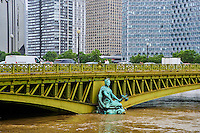 France, Paris, Inondations du 3 juin 2016, pont Mirabeau // France, Paris, flood of June 3 2016, Mirabeau bridge