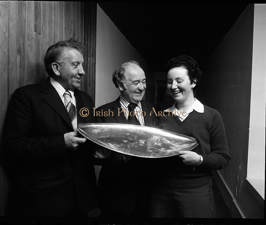 Seafood Cook in Rosslare 07/05/1976.05/07/1976.7th May 1976.Pictured from left to right, Mr Michael Pat Murphy T.D. Parliamentary Secretary to the Minister for Agriculture and Fisheries who presented the prizes, Mr Brendan O'Kelly, Chairman B.I.M. and Miss Yvonne Cooney the winner.