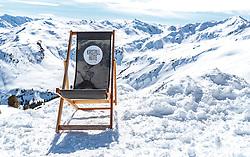 02.04.2018, Skizentrum Hochzillertal, Kaltenbach, AUT, JumpandReach Skitag, im Bild Feature, Liegestuhl im Schnee // during the Skiing Day after the Winterseason with the Austrian JumpandReach Athletes at the Skiresort Hochzillertal, Austria on 2018/04/02. EXPA Pictures © 2018, PhotoCredit: EXPA/ JFK
