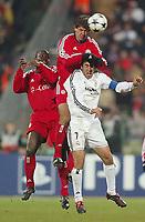 Fotball<br /> UEFA Champions League<br /> Kvartfinale<br /> 24.02.2004<br /> Foto: Digitalsport<br /> NORWAY ONLY<br /> <br /> Bayern München v Real Madrid<br /> <br /> v.l. Samuel Kuffour - Martin Demichelis - Raul Real