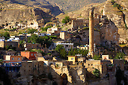El Rizk Mosque & town of Hasankeyf– The Mosque was built in 1409 by the Ayyubid sultan Süleyman and stands on the bank of the Tigris River. It has Kufic incriptions & decorations. , Turkey 10 .<br /> <br /> If you prefer to buy from our ALAMY PHOTO LIBRARY  Collection visit : https://www.alamy.com/portfolio/paul-williams-funkystock/hasankeyf-turkey.html<br /> <br /> Visit our PHOTO COLLECTIONS OF TURKEY HISTOIC PLACES for more photos to download or buy as wall art prints https://funkystock.photoshelter.com/gallery-collection/Pictures-of-Turkey-Turkey-Photos-Images-Fotos/C0000U.hJWkZxAbg