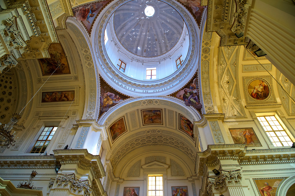 Interior of  the San Lorenzo cathedral, Trapani, Sicily .<br /> <br /> Visit our SICILY PHOTO COLLECTIONS for more   photos  to download or buy as prints https://funkystock.photoshelter.com/gallery-collection/2b-Pictures-Images-of-Sicily-Photos-of-Sicilian-Historic-Landmark-Sites/C0000qAkj8TXCzro<br /> If you prefer to buy from our ALAMY PHOTO LIBRARY  Collection visit : https://www.alamy.com/portfolio/paul-williams-funkystock/trapanimaslalasaltpans.html