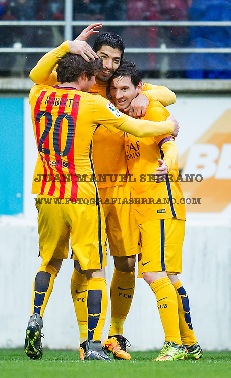EIBAR, SPAIN - MARCH 06:  Luis Suarez of FC Barcelona celebrates with his teammates Lionel Messi and Roberto Carnicer of FC Barcelona after scoring his team's fourth goal during the La Liga match between SD Eibar and FC Barcelona at Ipurua Municipal Stadium on March 6, 2016 in Eibar, Spain.  (Photo by Juan Manuel Serrano Arce/Getty Images)