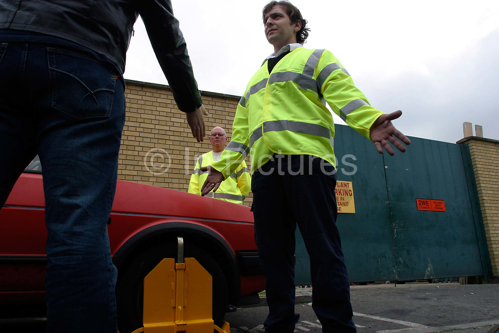 An argument with a wheel clamper during a training exercise where clampers are taught to diffuse a potentially violent situation