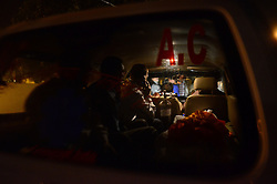 November 20, 2016 - Pukhrayan, Kanpur, India - relatives of a victim carry his dead body in an ambulance, , in a district mortuary in Pukhrayan, some 60 kms from Kanpur, on November 20,2016. Indore Patna express train derailed on sunday's early morning. more than 200 people died and several injured, according to officials  (Credit Image: © Ritesh Shukla/NurPhoto via ZUMA Press)