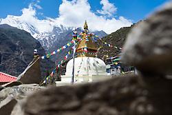 """THEMENBILD - Buddhistisches Stupa in Namche Bazaar. Wanderung im Sagarmatha National Park in Nepal, in dem sich auch sein Namensgeber, der Mount Everest, befinden. In Nepali heißt der Everest Sagarmatha, was übersetzt """"Stirn des Himmels"""" bedeutet. Die Wanderung führte von Lukla über Namche Bazar und Gokyo bis ins Everest Base Camp und zum Gipfel des 6189m hohen Island Peak. Aufgenommen am 09.05.2018 in Nepal // Trekkingtour in the Sagarmatha National Park. Nepal on 2018/05/09. EXPA Pictures © 2018, PhotoCredit: EXPA/ Michael Gruber"""