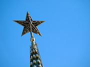 Moskau/Russische Foederation, RUS, 07.05.2008: Die Kremlsterne feierten 2005 ihren 70. Geburtstag. Im Oktober 1935 wurde der erste rote Stern an der Spitze des Spasskij-Turms eingerichtet. Auch nach dem Ende der UdSSR leuchten sie weiter Nacht fuer Nacht.<br /> <br /> Moscow/Russian Federation, RUS, 07.05.2008: The first Kremlin star was installed on top of the Spasskaya Tower on 25th of October 1935.