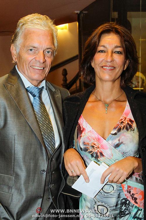 NLD/Leiden/20121021- Premiere Contrapunt, Ben Cramer en partner Carla van der WaalBen Cramer en partner Carla van der Waal