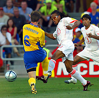 Faro 27/6/2004 Euro2004 <br />Svezia - Olanda 4-5 after penalties (0-0) <br />Tobias Linderoth of Sweden and Edgard Davids of Netherlands<br />Photo Andrea Staccioli Graffiti