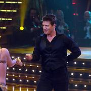 NLD/Baarn/20070527 - Finale Dancing with the Stars 2007, optreden van Martijn Krabbé met danspartner Roemjana de Haan