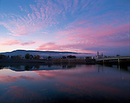 Pennsylvania. Lock Haven, West Branch of Susquehanna River at sunrise These United States Page 199: