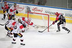 08.07.2016, Tiroler Wasserkraft Arena, Innsbruck, AUT, EBEL, HC TWK Innsbruck Die Haie vs HC Orli Znojmo, 8. Runde, im Bild 1:0 durch Andrew Clark (HCI Innsbruck) v.l. Tomas Plihal (Znojmo), Peter Pucher (Znojmo), Andre Lakos (Znojmo), Patrik Nechvatal (Znojmo), Andrew Clark (HCI Innsbruck),// during the Erste Bank Icehockey League 8th Round match between HC TWK Innsbruck Die Haie and HC Orli Znojmo at the Tiroler Wasserkraft Arena in Innsbruck, Austria on 2016/10/08. EXPA Pictures © 2016, PhotoCredit: EXPA/ Johann Groder