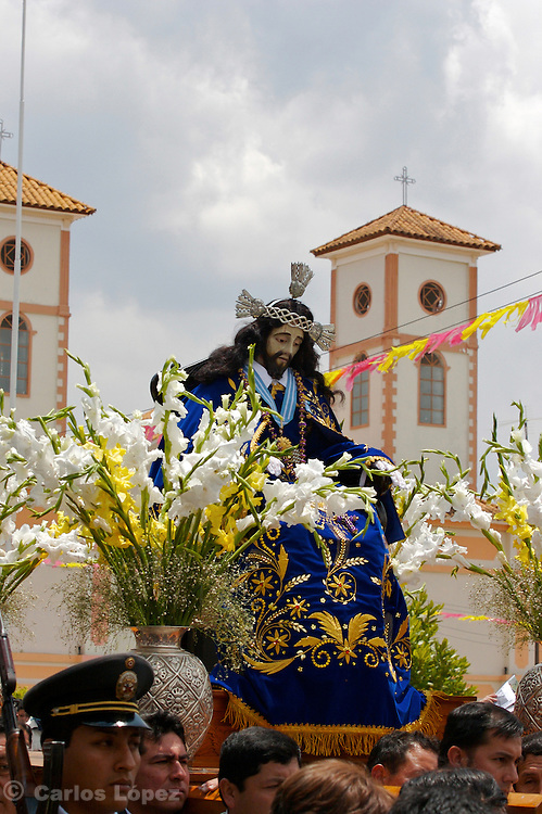 """THE STATUE OF THE LORD OF GUALAMITA """"SEN?OR DE GUALAMITA"""" COMING OUT FROM THE CHURCH."""