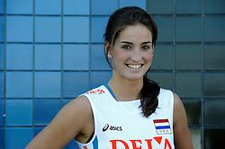 02-06-2010 VOLLEYBAL: NEDERLANDS VROUWEN VOLLEYBAL TEAM: ALMERE<br /> Reportage Nederlands volleybalteam vrouwen / Myrthe Schoot<br /> ©2010-WWW.FOTOHOOGENDOORN.NL