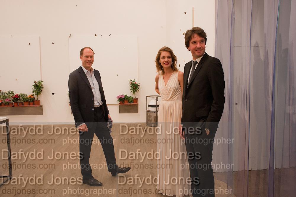 HARRY BLAIN; NATALIA VODIANOVA; ANTOINE ARNAUD, Damien Hirst, Tate Modern: dinner. 2 April 2012.