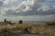 Duinen, strand en Noordzee op Schiermonnikoog.