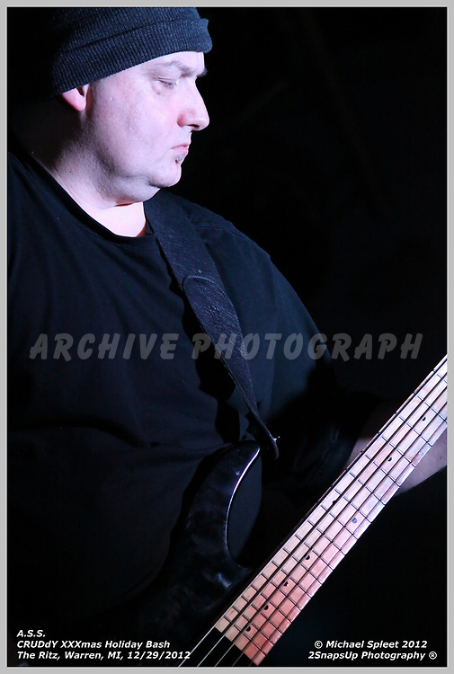 WARREN, MI, SATURDAY, DEC. 29, 2012 : A.S.S., CRUDdY XXXmas Holiday Bash, Chris Taylor at The Ritz, Warren, MI, 12/29/2012.  (Image Credit: Michael Spleet / 2SnapsUp Photography)