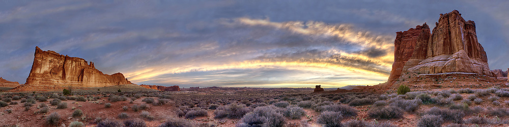 Early morning overlooking the courthouse in Arches Nation Park