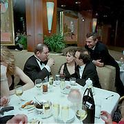 Harvey Weinstein, Nicoletta Braschl and Roberto Benigni. Miramax post Oscar party. Beverley Hills Hotel. 26 March 2000. © Copyright Photograph by Dafydd Jones 66 Stockwell Park Rd. London SW9 0DA Tel 020 7733 0108 www.dafjones.com