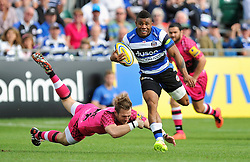 Kyle Eastmond of Bath Rugby gets past Seb Jewell of London Welsh - Photo mandatory by-line: Patrick Khachfe/JMP - Mobile: 07966 386802 13/09/2014 - SPORT - RUGBY UNION - Bath - The Recreation Ground - Bath Rugby v London Welsh - Aviva Premiership