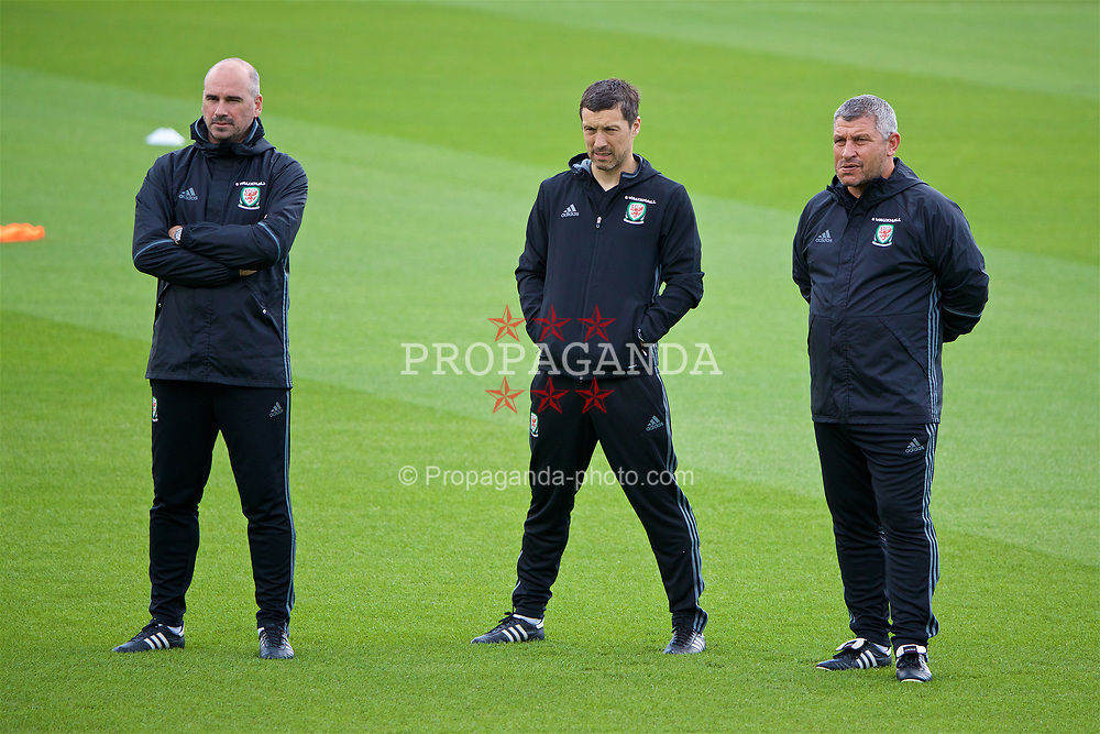 CARDIFF, WALES - Wednesday, June 7, 2017: Wales' performance psychologist Ian Mitchall, head of performance Ryland Morgans and assistant manager Osian Roberts during a training session at the Vale Resort ahead of the 2018 FIFA World Cup Qualifying Group D match against Serbia. (Pic by David Rawcliffe/Propaganda)