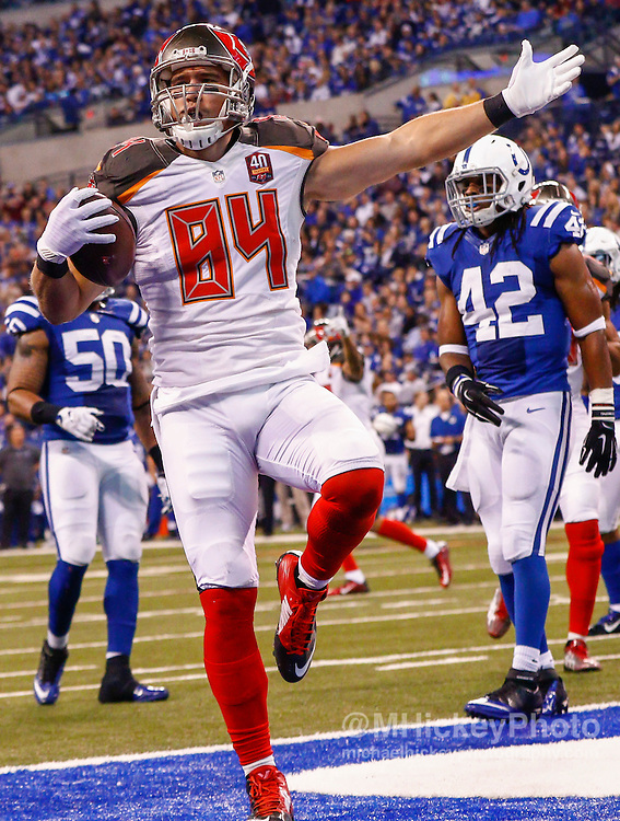 INDIANAPOLIS, IN - NOVEMBER 29 : Cameron Brate #84 of the Tampa Bay Buccaneers reacts after a touchdown against the Indianapolis Colts at Lucas Oil Stadium on November 29, 2015 in Indianapolis, Indiana. Indianapolis defeated Tampa Bay 25-12. (Photo by Michael Hickey/Getty Images) *** Local Caption *** Cameron Brate