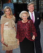 Koningin Beatrix , Prins Willem Alexander en Prinses Máxima der Nederlanden zijn aanwezig bij het 50-jarig jubileumgala van Het Nationale Ballet in Het Muziektheater Amsterdam./// Queen Beatrix, Prince Willem Alexander and Princess Maxima of the Netherlands attended the 50th anniversary gala of the National Ballet in Amsterdam.<br /> <br /> Op de foto / On the Photo:<br /> <br />  Koningin Beatrix , Prins Willem Alexander en Prinses Máxima