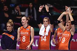 09-01-2016 TUR: European Olympic Qualification Tournament Rusland - Nederland, Ankara<br /> De Nederlandse volleybalsters hebben de finale van het olympisch kwalificatietoernooi tegen Rusland verloren. Oranje boog met 3-1 voor de Europees kampioen (25-21, 22-25, 25-19, 25-20) / Kirsten Knip #1, Judith Pietersen #8, Laura Dijkema #14, Anne Buijs #11, Myrthe Schoot #9