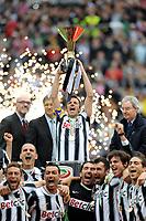 "Alessandro DEL PIERO alza la coppa (Juventus campione d Italia)<br /> Torino 13/05/2012 Stadio ""Juventus stadium""<br /> Serie A 2011/2012<br /> Football Calcio Juventus Vs Atalanta<br /> Foto Insidefoto Alessandro Sabattini"