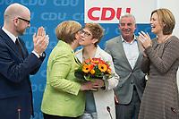 27 MAR 2016, BERLIN/GERMANY:<br /> Peter Tauber, CDU, Generalsekretaer, Angela Merkel, CDU, Budneskanzlerin, Annegret Kamp-Karrenbauer, CDU, Ministerpraesidentin Saarland, Thomas Strobl, Landesvorsitzender Baden-Wuerttemberg, Julia Kloeckner, CDU Landesvorsitzender Rheinland-Pfalz, (v.L.n.R.), vor Beginn einer Sitzung des Bundesvorstandes nach der Landtagswahl im Saarland, Konrad-Adenauer-aus<br /> IMAGE: 20170327-01-008<br /> KEYWORDS: Julia Klöckner, Jubel, Blumen, Applaus, klatschen