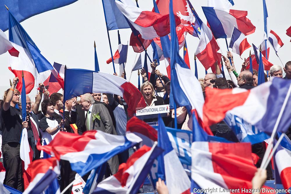 01052012. Paris Opéra. 1er mai du Front National pour fêter Jeanne d'Arc. Discours de Marine Le Pen et de Jean-Marie Le Pen.