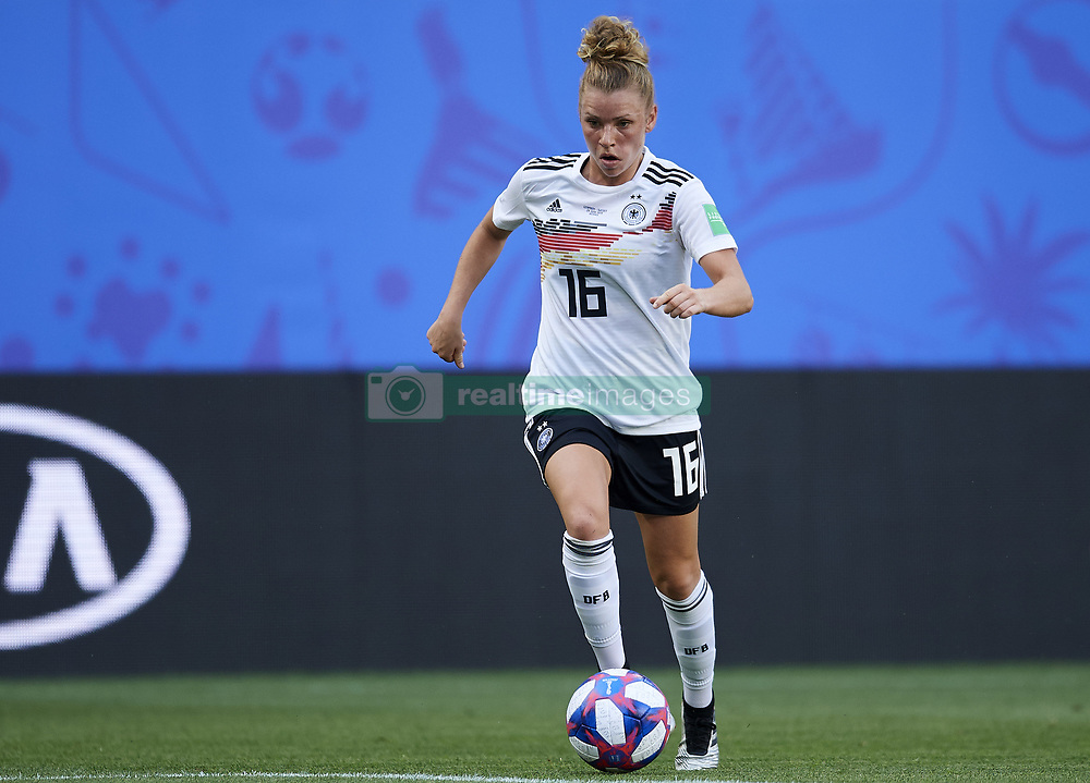 June 29, 2019 - Rennes, France - Linda Dallmann (Sgs Essen) of Germany in action during the 2019 FIFA Women's World Cup France Quarter Final match between Germany and Sweden at Roazhon Park on June 29, 2019 in Rennes, France. (Credit Image: © Jose Breton/NurPhoto via ZUMA Press)