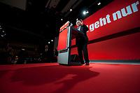 15 MAY 2010, ROSTOCK/GERMANY:<br /> Oskar Lafontaine, Die Linke, scheidender Parteivorsitzender, haelt seine Abschiedsrede als Parteivorsitzender, Parteitag Die Linke, Stadthalle<br /> IMAGE: 20100515-01-076<br /> KEYWORDS: Bundesparteitag, party congress, speech