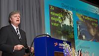 ARNHEM - PETER GLAS, Green management Symposium van de NGF. De Europese Kaderrichtlijn Water (KWR), gevolgen voor het watergebruik op golfbanen? (FOTO KOEN SUYK