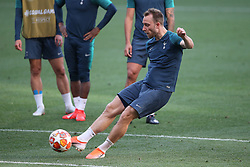 01.06.2019, Wanda Metropolitano, Madrid, ESP, UEFA CL, Tottenham Hotspur vs FC Liverpool, Finale, im Bild Christian Eriksen of Tottenham Hotspur // Christian Eriksen of Tottenham Hotspur during Training before the the UEFA Champions League Final Match between Tottenham Hotspur and FC Liverpool at the Wanda Metropolitano in Madrid, Spain on 2019/06/01. EXPA Pictures © 2019, PhotoCredit: EXPA/ Focus Images/ Paul Chesterton<br /> <br /> *****ATTENTION - for AUT, GER, FRA, ITA, SUI, POL, CRO, SLO only*****