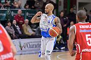 DESCRIZIONE : Sassari LegaBasket Serie A 2015-2016 Dinamo Banco di Sardegna Sassari - Giorgio Tesi Group Pistoia<br /> GIOCATORE : David Logan<br /> CATEGORIA : Palleggio Schema Mani<br /> SQUADRA : Dinamo Banco di Sardegna Sassari<br /> EVENTO : LegaBasket Serie A 2015-2016<br /> GARA : Dinamo Banco di Sardegna Sassari - Giorgio Tesi Group Pistoia<br /> DATA : 27/12/2015<br /> SPORT : Pallacanestro<br /> AUTORE : Agenzia Ciamillo-Castoria/L.Canu