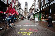 In Utrecht is het aftellen begonnen voor de start van de Tour de France. Over 100 dagen start de grootste wielerronde ter wereld in de Domstad.<br /> <br /> <br /> In Utrecht, the countdown began for the start of the Tour de France. In 100 days the biggest cycling race in the world starts in the cathedral city.