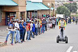 JOHANNESBURG, April 3, 2020  Citizens line up outside a supermarket in Johannesburg, South Africa, April 2, 2020. The spread of COVID-19 continued unabated in South Africa on Thursday, with 82 new cases reported, Health Minister Zweli Mkhize said. .   The total number of infections in the country reached 1,462 and the death toll remained at five, Mkhize said in Bloemfontein, Free State Province, where he visited the Universitas Academic Hospital. The country has not reported new coronavirus-related deaths since Wednesday. (Credit Image: © Xinhua via ZUMA Wire)