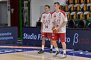 DESCRIZIONE : Beko Legabasket Serie A 2015- 2016 Dinamo Banco di Sardegna Sassari - Olimpia EA7 Emporio Armani Milano<br /> GIOCATORE : Francesco Villa Davide Vercesi<br /> CATEGORIA : Riscaldamento Before Pregame<br /> SQUADRA : Olimpia EA7 Emporio Armani Milano<br /> EVENTO : Beko Legabasket Serie A 2015-2016<br /> GARA : Dinamo Banco di Sardegna Sassari - Olimpia EA7 Emporio Armani Milano<br /> DATA : 04/05/2016<br /> SPORT : Pallacanestro <br /> AUTORE : Agenzia Ciamillo-Castoria/L.Canu