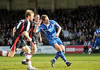 Photo: Tony Oudot/Richard Lane Photography. Gillingham v Shrewsbury Town. Coca-Cola Football League Two. 28/02/2009. <br /> GOAL! Nicky Southall puts Gillingham two up