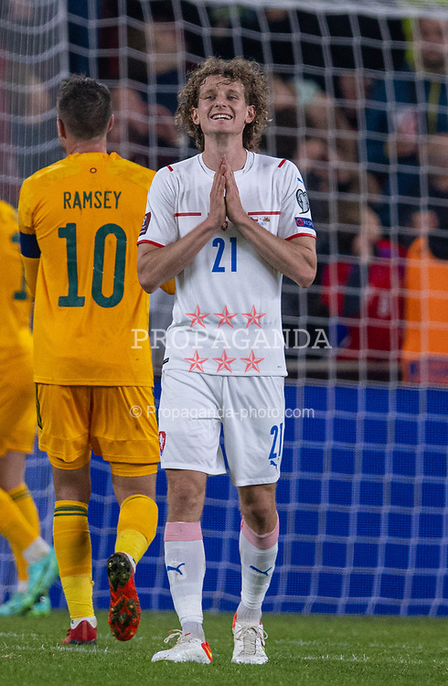 PRAGUE, CZECH REPUBLIC - Friday, October 8, 2021: Czech Republic's Alex Král looks dejected after missing a chance during the FIFA World Cup Qatar 2022 Qualifying Group E match between Czech Republic and Wales at the Sinobo Stadium. The game ended in a 2-2 draw. (Pic by David Rawcliffe/Propaganda)