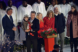 November 30, 2016 - New York, NY, USA - November 30, 2016  New York City..Bill de Blasio, Carmen Baldwin, Alec Baldwin, Kate McKinnon, Hoda Kotb, Matt Lauer, Savannah Guthrie on stage at The Rockefeller Center Christmas Tree lighting ceremony on November 30, 2016 in New York City. (Credit Image: © Callahan/Ace Pictures via ZUMA Press)