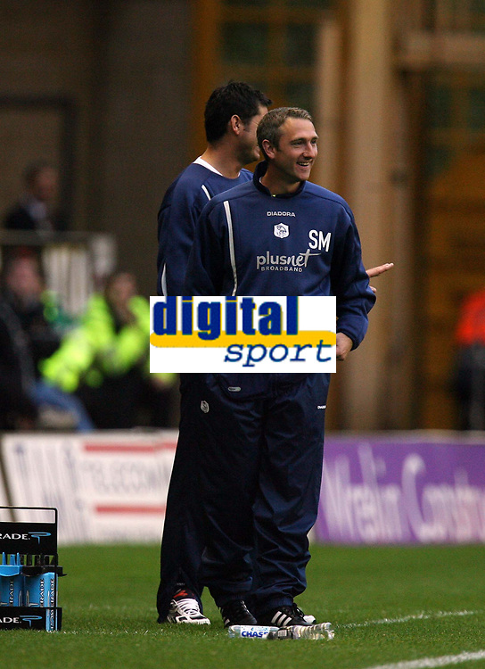 Photo: Rich Eaton.<br /> <br /> Wolverhampton Wanderers v Sheffield Wednesday. Coca Cola Championship. 28/10/2006. caretaker manager at Sheffield Wednesday Sean McAuley can afford as his team draw 2-2 at Wolves
