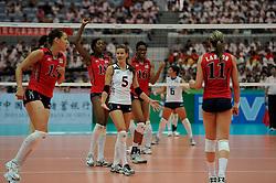 26-08-2010 VOLLEYBAL: WGP FINAL USA - ITALY: BEILUN NINGBO<br /> The United States convincingly beat Italy in straight sets / Stacy Sykora, Jordan Larson, Logan Tom, Destinee Hooker and Foluke Akinradewo<br /> ©2010-WWW.FOTOHOOGENDOORN.NL