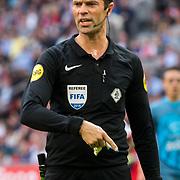 NLD/Amsterdam/20180408 - Ajax - Heracles, scheidsrechter Kevin Blom