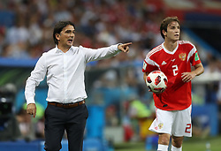 SOCHI, July 7, 2018  Head coach Zlatko Dalic (L) of Croatia gives instructions to players during the 2018 FIFA World Cup quarter-final match between Russia and Croatia in Sochi, Russia, July 7, 2018. (Credit Image: © Xu Zijian/Xinhua via ZUMA Wire)