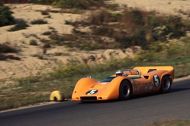 Denny Hulme in winning McLaren M6A at 1967 Bridgehampton Can-Am