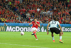 LILLE, FRANCE - Friday, July 1, 2016: Wales' Hal Robson-Kanu scores the second goal against Belgium during the UEFA Euro 2016 Championship Quarter-Final match at the Stade Pierre Mauroy. (Pic by Paul Greenwood/Propaganda)